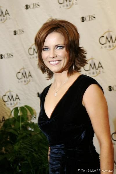 image detail  martina mcbride  fun casually elegant
