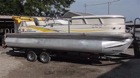 Used Pontoon Boats Kansas by Pontoon New And Used Boats For Sale In Kansas
