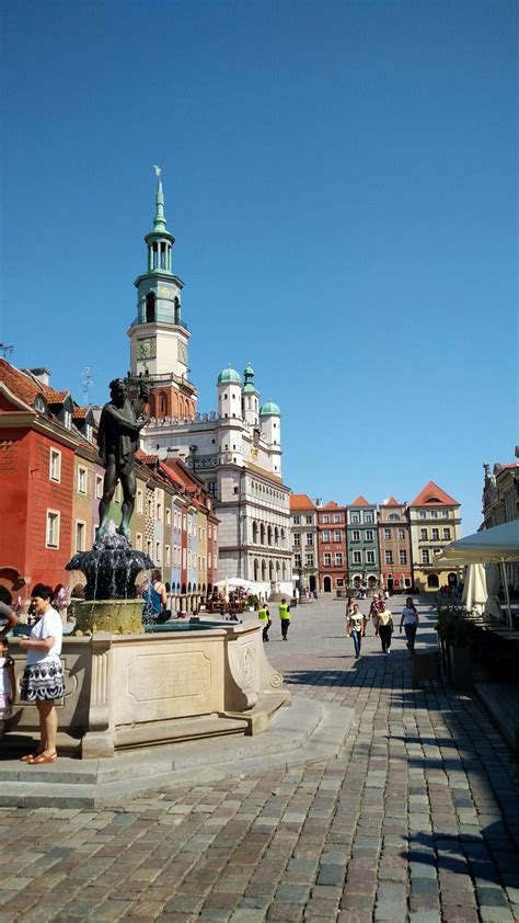 Town Hall Market Square : Old Town Poznan   Visions of Travel