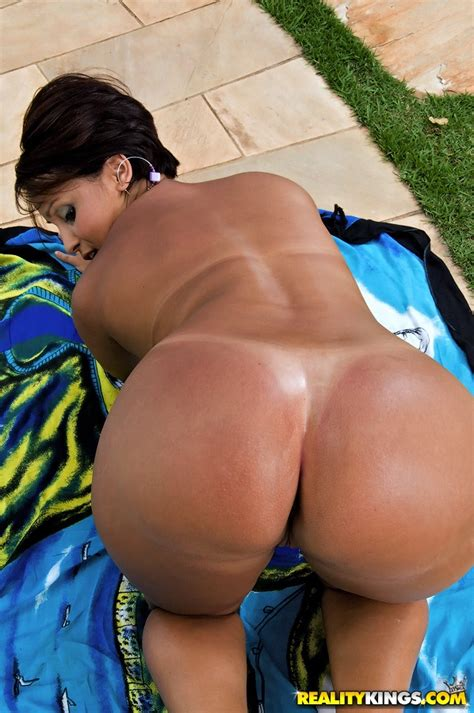 Lascivious brazilian Milf Showing Her sexy Curves And Bikini Tan Lines