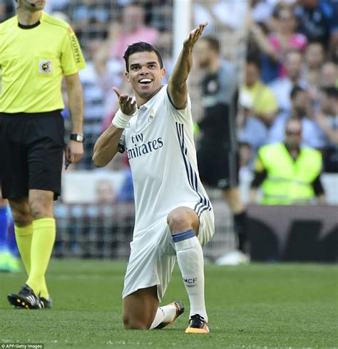 Real Madrid 1-1 Atletico Madrid: Zidane and Co extend lead ...