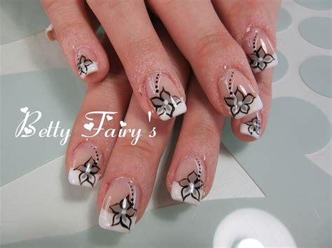 deco ongle gel noir et blanche blanche gel mask d 233 co fleur noir gris f 233 erique jusqu au bout des ongles