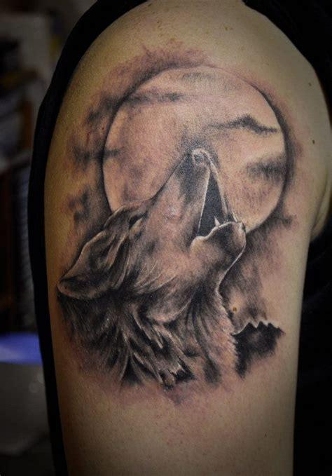 1001 mod 232 les de tatouage homme uniques et inspirants tatouage tatouage loup design