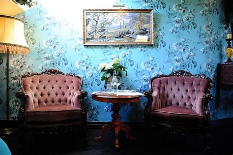 modern retro wallpaper restaurant yaki da retro modern wallpaper to create inspirational interiors