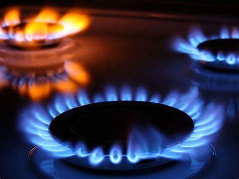 Общие сведения о природном газе . Природный газ имеет ряд преимуществ по сравнению с другими видами топлива и сырья