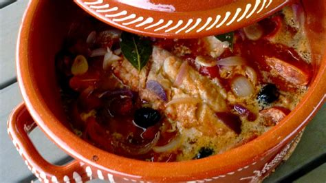 recette de cuisine portugaise facile morue au chourico cuite au four bacalhau no chourico