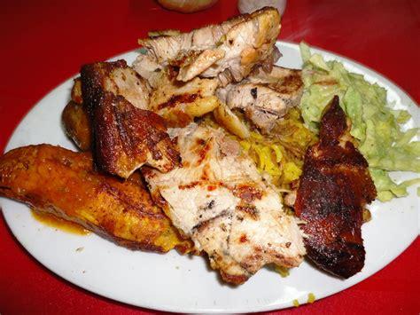 n駮n cuisine cockfighting in bogota colombia