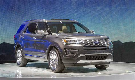 Ford Explorer Platinum Vs Limited