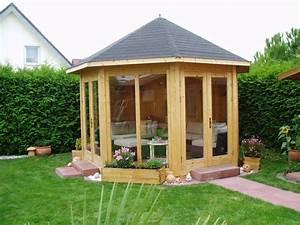 Sitzecke Aus Holz : gartenpavillon aus holz mit gem tlicher sitzecke gartenpavillons pinterest sitzecke holz ~ Indierocktalk.com Haus und Dekorationen
