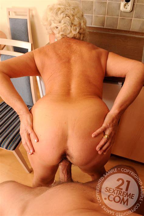 Lusty Grandmas Effie Tons Of Older Sex Wifi Movie Sex Hd Pics