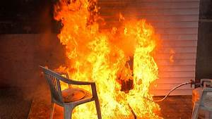 How To Keep Your Deep-Fried Turkey From Going Up In Flames ...