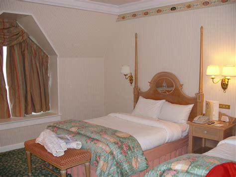 chambre d hotel disneyland junior suite du disneyland hotel
