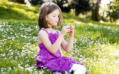 Child Wallpapers Desktop Field Daisies Sitting Backgrounds