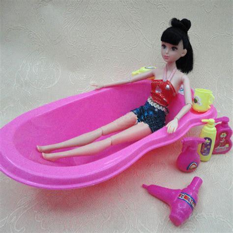 7 Items =1pcs Pink Doll Bathroom Bathtub Set + 6pcs Dolls