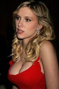 Who is sexier between Emma Watson and Scarlett Johansson ...
