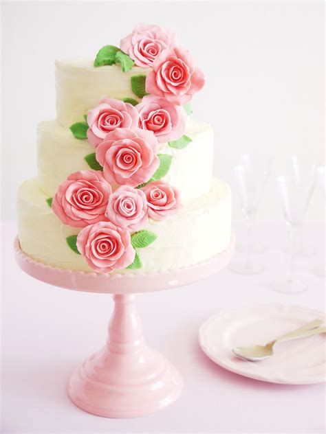 simple wedding cakes and desserts entertaining ideas party themes for every occasion hgtv