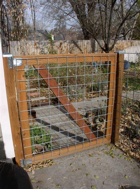 cheap fence ideas  dogs big  dig  dog run roy