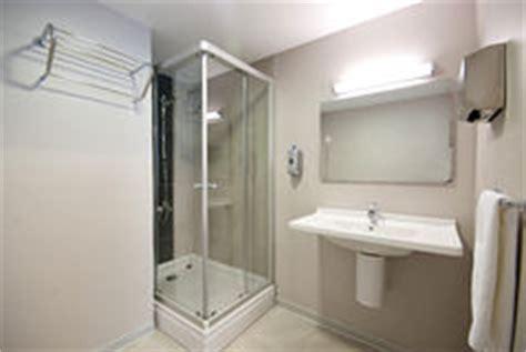 salle de bain hopital salle de bains d h 244 pital images libres de droits image 32939229