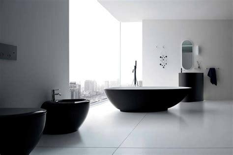 Freistehende Badewanne Die Moderne Badeinrichtungfreistehende Badewanne Weiss by 52 Fotos Badezimmer In Schwarz Und Wei 223 Archzine Net