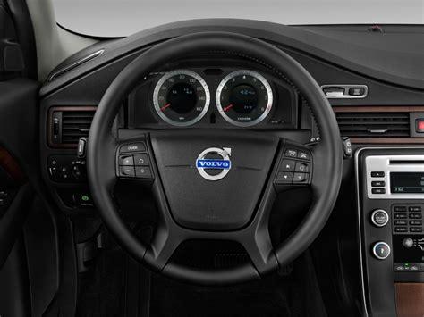image  volvo xc  door wagon  awd steering