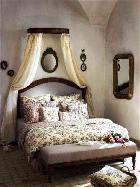 ciel de lit pour chambre romantique trucs  deco