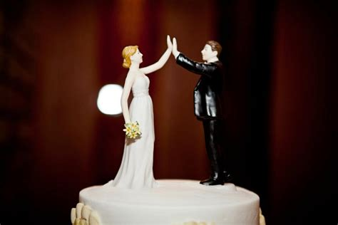 high five wedding cake topper 1000 images about cool cake toppers on