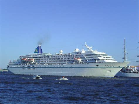 FileCruise Ship Amadea 2011-05-08.jpg - Wikimedia Commons
