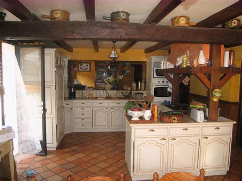 cuisine rustique relook馥 cuisine rustique repeinte stunning cuisine rustique repeinte luxe relooking meuble cuisine rustique le bois chez vous with cuisine rustique