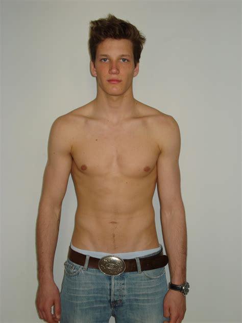 Florian Poddelka Nude