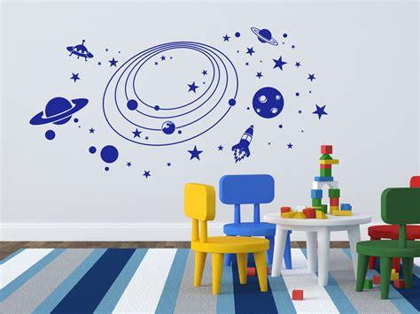 Wandtattoo Kinderzimmer Planeten by Wandtattoo Weltraum Planeten F 252 Rs Kinderzimmer Mit Rakete