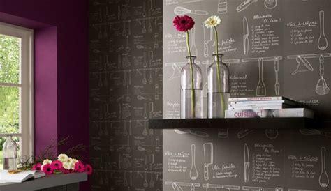 papiers peints cuisine les motifs rêvent les murs de la cuisine