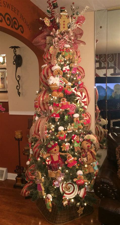 gingerbread decorated tree 1000 ideas about gingerbread decor on