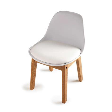 chaise coque blanche chaise enfant scandinave blanche maisons du monde