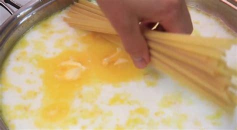 des p 226 tes cuites dans le lait une recette rapide et