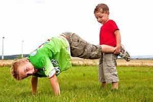 Schubkarrenrennen Kinderspiele Welt de