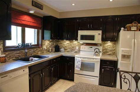 best type of paint for cabinets what color kitchen cabinets go with white appliances