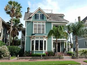 Grand Victorian with Private Pool and Water... - VRBO