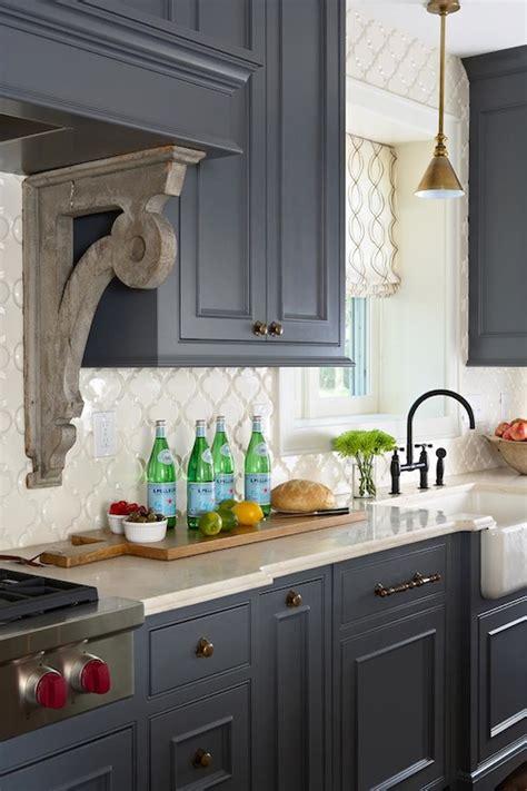 marble arabesque backsplash design ideas