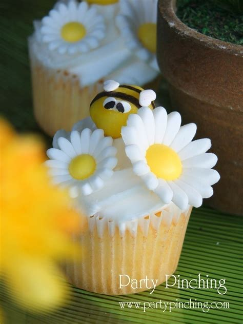 Honey Bee Lemon Drop Cupcake Toppers · How To Make A Cake