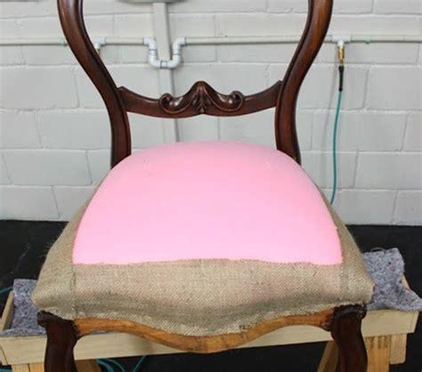 chaise tapissier le tapissier d 39 ameublement vieille et moderne métier