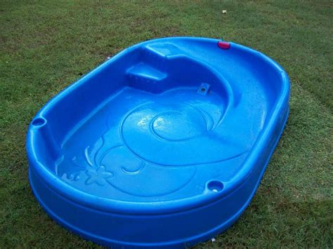 Kiddie Plastic Swimming Pool