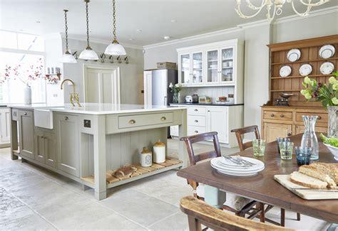 Classic Country Kitchen  Barnes Of Ashburton Ltd