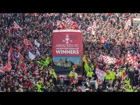 Aberdeen parade League Cup Trophy through city - YouTube