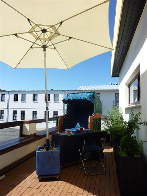 balkon sauna und schwimmbad