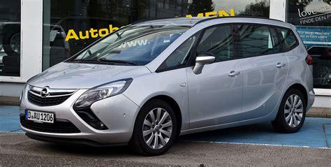 Opel Zafria by Opel Zafira Tourer
