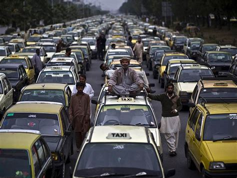 Instead Of Opposing Uber And Careem, Taxi And Rickshaw