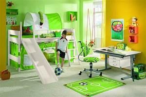 Zimmerpflanzen Für Kinderzimmer : das kinderzimmer f r den fu ball fan alles dreht sich um den ball foto paidi 1 ~ Orissabook.com Haus und Dekorationen