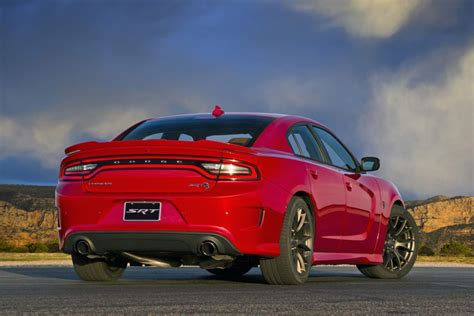 2017 Dodge Charger Srt 392 And Hellcat Photo Gallery