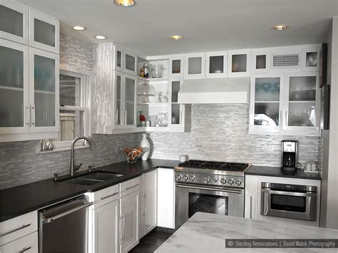 Kitchen Backsplashes With White Cabinets by Marble Backsplash In Kitchen With White Cabinets