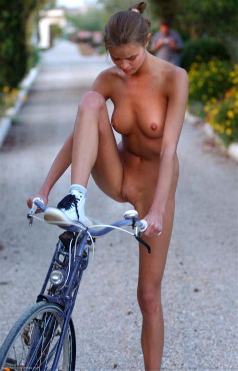 Nude Girls On Bikes Redbust